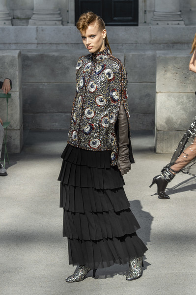 1f7fe76b641 Chanel at Couture Fall 2018 - Livingly