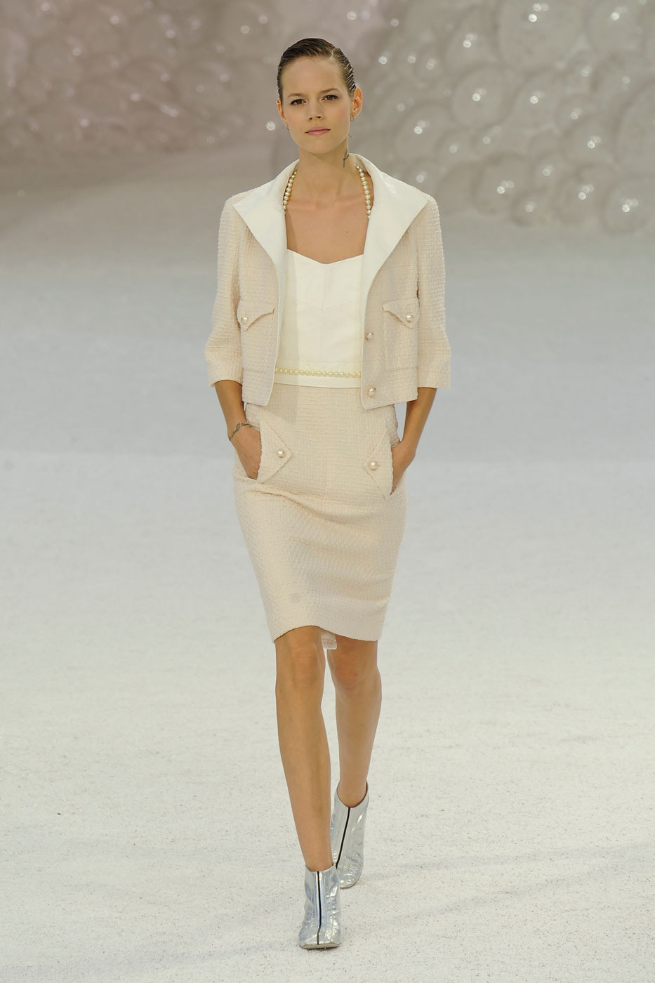 chanel spring 2012 runway pictures livingly