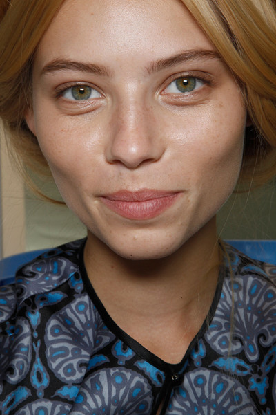 Chloé at Paris Spring 2012 (Backstage)