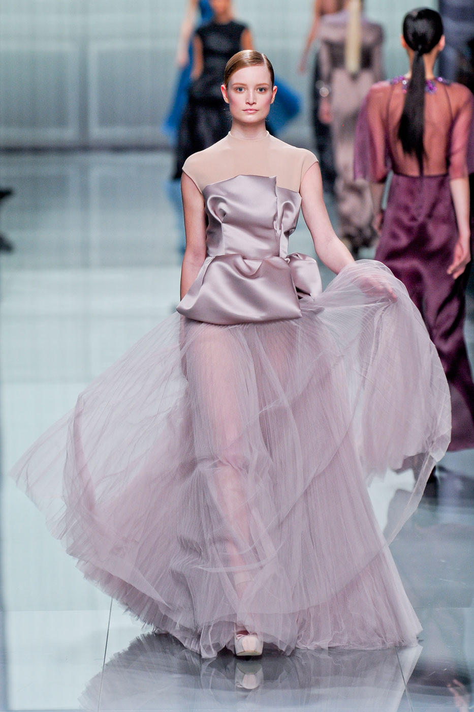 2012 Fall 2013 Winter Nail Polish Trends: Christian Dior Fall 2012 Runway Pictures