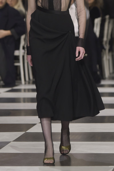 Christian Dior at Couture Spring 2018 (Details) [fashion model,clothing,fashion,dress,shoulder,leg,haute couture,footwear,runway,joint,dress,christian dior,runway,fashion,haute couture,clothing,model,fashion design,couture spring 2018,fashion show,runway,fashion show,haute couture,fashion,dior,ready-to-wear,model,clothing,fashion design]