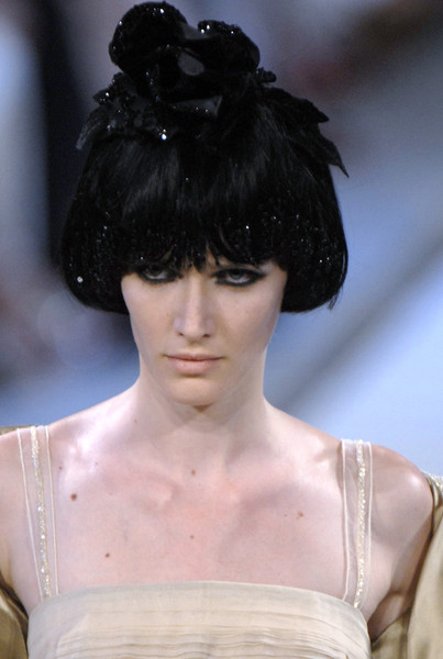 Christian Lacroix at Couture Fall 2006 (Details)