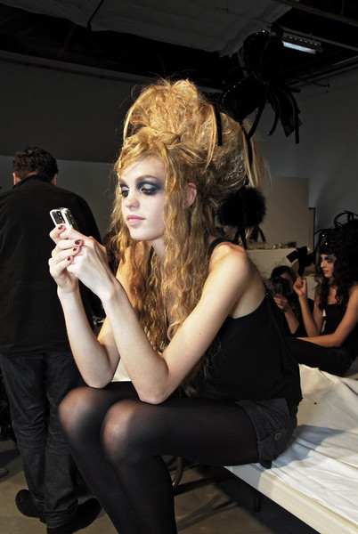 Christian Lacroix at Couture Fall 2007 (Backstage)