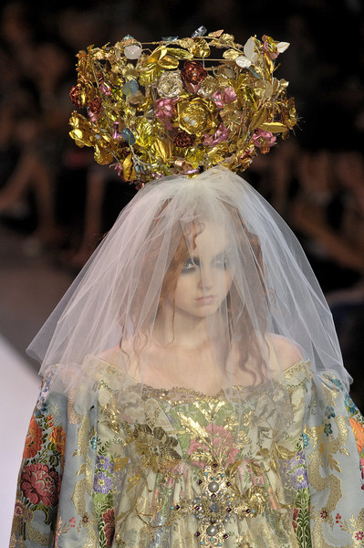 Christian Lacroix at Couture Fall 2007 (Details)