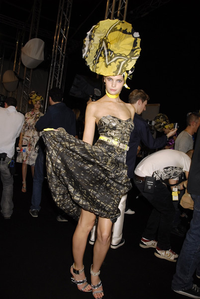 Christian Lacroix at Paris Spring 2008 (Backstage)