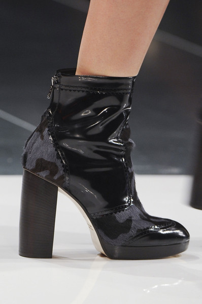 Christopher Kane at London Fall 2013 (Details)