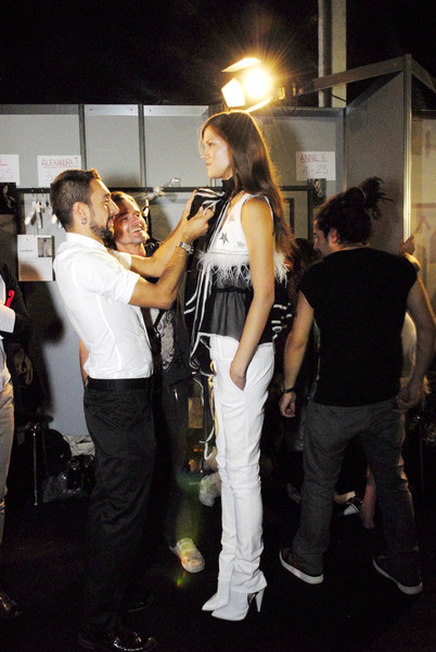 Derercuny at Milan Spring 2009 (Backstage)