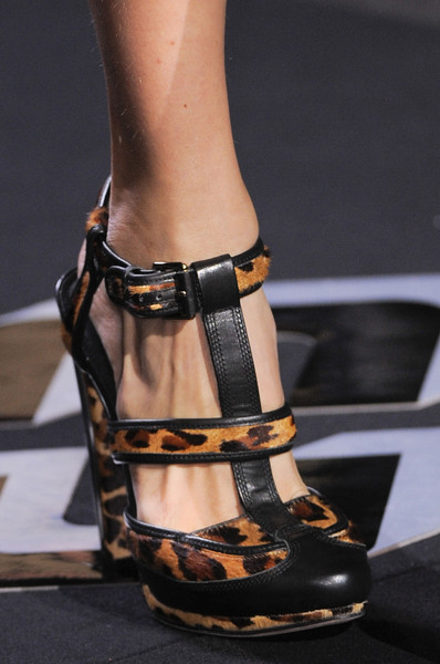 Diane von Furstenberg at New York Fall 2013 (Details)