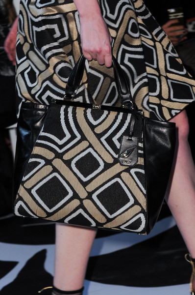 Diane von Furstenberg at New York Fall 2014 (Details)