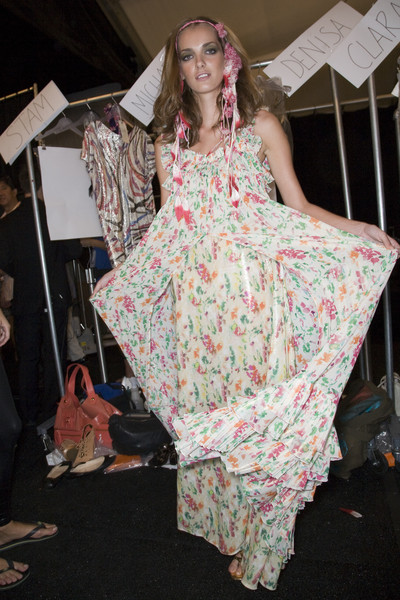 Diane von Furstenberg at New York Spring 2009 (Backstage)