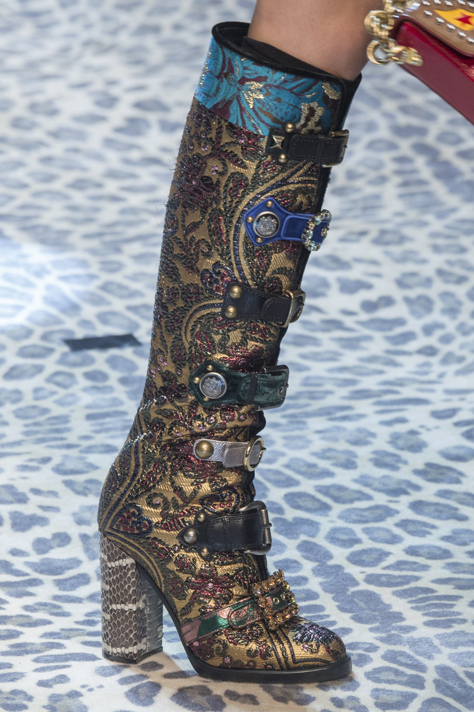 Dolce & Gabbana, Fall 2017 - The Beautiful and Bizarre ...