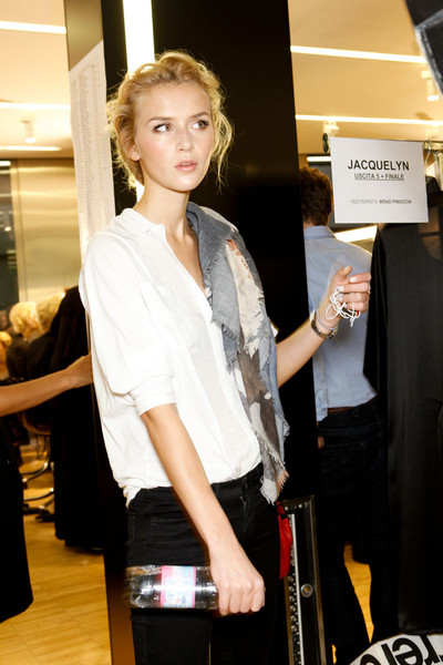 Dolce & Gabbana at Milan Spring 2012 (Backstage)