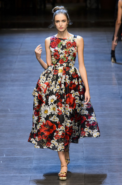 Dolce   Gabbana - The Most Gorgeous Gowns From Milan Fashion Week ... f6e3caa56323d