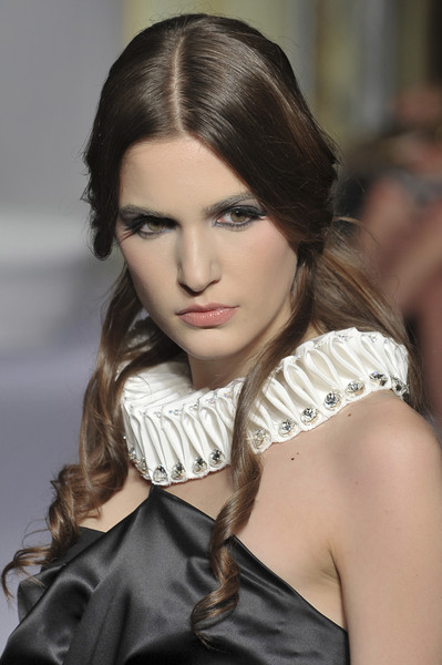 Dominique Sirop at Couture Fall 2009 (Details)