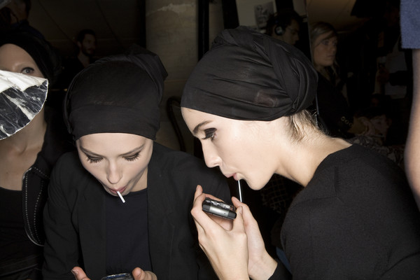 Dries Van Noten at Paris Spring 2009 (Backstage)