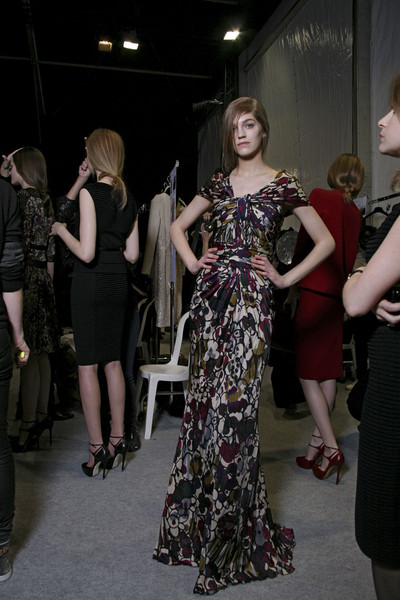 Elie Saab at Paris Fall 2011 (Backstage)