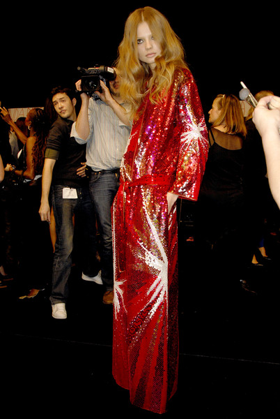 Emanuel Ungaro at Paris Fall 2007 (Backstage)