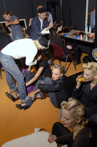 Enrico Coveri at Milan Spring 2008 (Backstage)