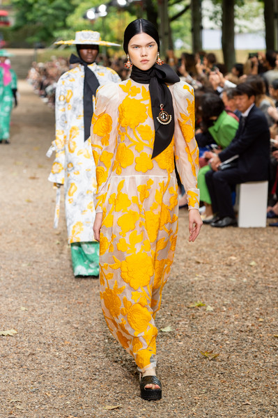 Erdem at London Spring 2020 [yellow,fashion,street fashion,event,plant,festival,haute couture,costume,erdem moral\u0131o\u011flu,fashion,spring,fashion week,street fashion,plant,london fashion week,paris fashion week,new york fashion week,event,erdem moral\u0131o\u011flu,fashion,spring,paris fashion week,fashion week,london fashion week 2019,new york fashion week,summer,fashion show,milan fashion week]