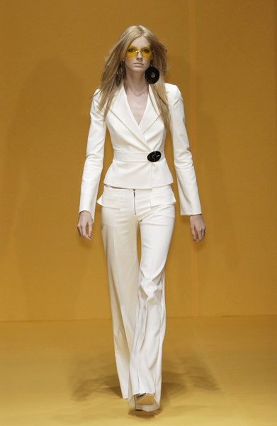 Erreuno at Milan Spring 2002