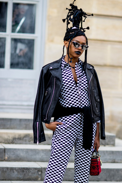 Checkered Au Courant