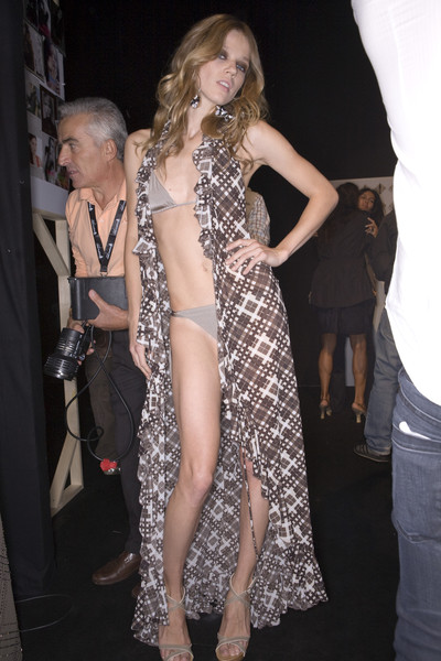 Fisico at Milan Spring 2009 (Backstage)