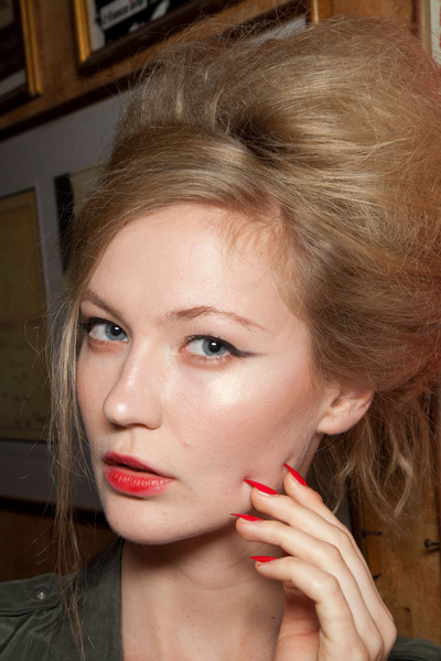 Frank Sorbier at Couture Fall 2012 (Backstage)