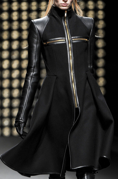 Gareth Pugh at Paris Fall 2011 (Details)