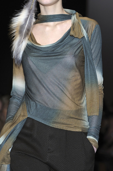 Gaspard Yurkievich at Paris Fall 2010 (Details)
