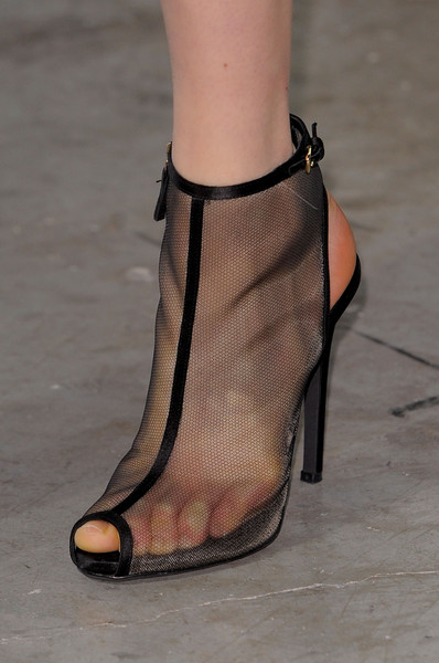 Giambattista Valli at Paris Fall 2013 (Details)