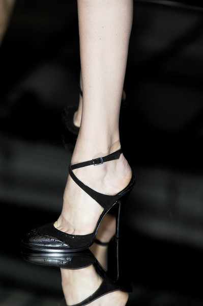 Gianfranco Ferré at Milan Spring 2007 (Details)
