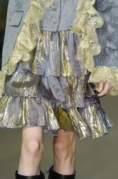 Gibo at Milan Fall 2005 (Details)
