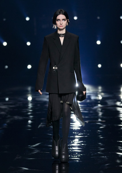 Givenchy at Paris Fall 2021 [trousers,flash photography,sleeve,standing,collar,suit,entertainment,fashion design,blazer,formal wear,collar,fashion,fashion week,model,haute couture,bella hadid,standing,givenchy,paris fashion week,fashion show,bella hadid,fashion show,paris fashion week,givenchy,fashion,model,haute couture,fashion week,ready-to-wear]