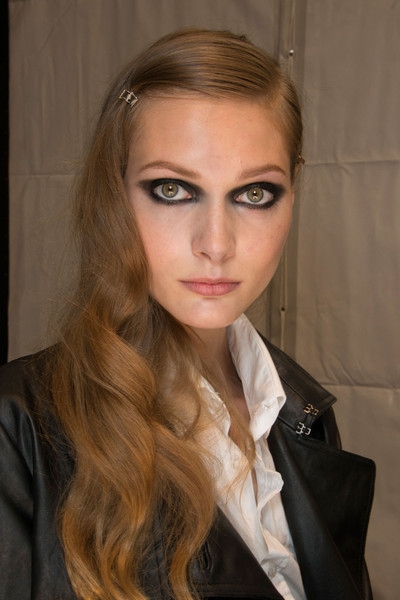Guy Laroche at Paris Spring 2013 (Backstage)