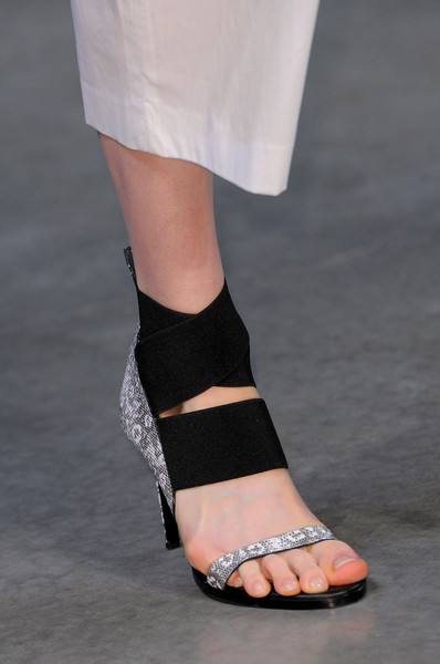 Helmut Lang at New York Spring 2014 (Details)
