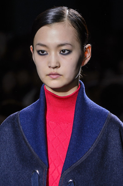 Hermès at Paris Fall 2017 (Details) [fashion,hair,fashion show,runway,eyebrow,lip,beauty,hairstyle,fashion model,electric blue,fashion,runway,beauty,fashion week,model,makeup,hairstyle,hermes,paris fashion week,fashion show,runway,herm\u00e8s,paris fashion week,fashion,fashion week,facial makeup,fashion show,beauty,model]