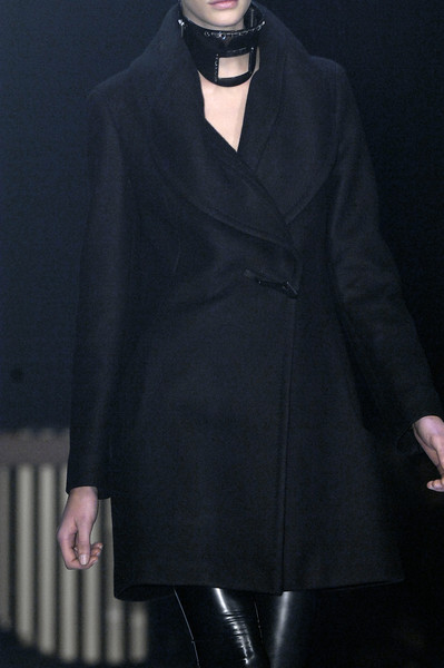 Hussein Chalayan at Paris Fall 2007 (Details)