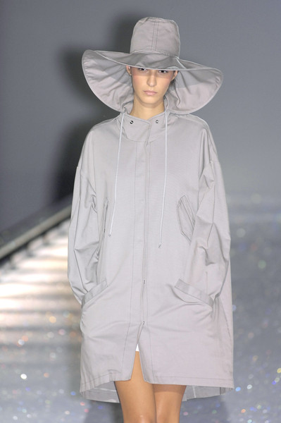 Hussein Chalayan at Paris Spring 2007