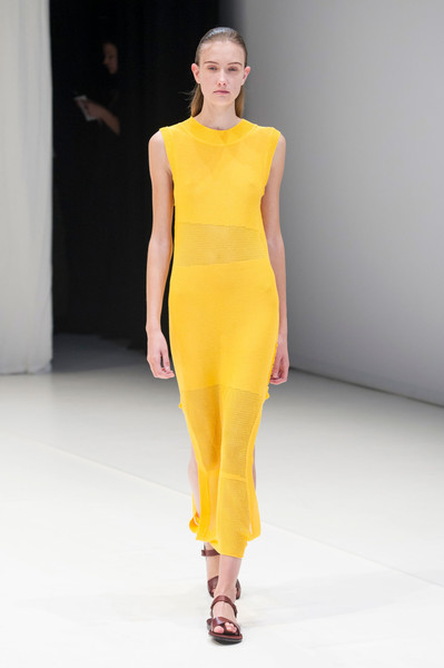 Hussein Chalayan at London Spring 2018 [fashion model,fashion show,fashion,runway,clothing,shoulder,yellow,neck,dress,joint,hussein chalayan,fashion,runway,clothing,fashion week,spring,color,shoulder,london fashion week,fashion show,hussein chalayan,london fashion week,runway,fashion show,fashion,fashion week,spring,color,clothing,summer]