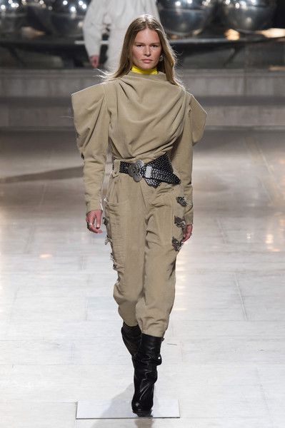 Isabel Marant at Paris Fall 2019 [autumn,fashion show,fashion model,runway,fashion,clothing,shoulder,joint,human,public event,outerwear,isabel marant,fashion,runway,fashion week,clothing,shoulder,joint,paris fashion week,fashion show,isabel marant,paris fashion week,fashion show,ready-to-wear,runway,fashion,fashion week,autumn,winter]