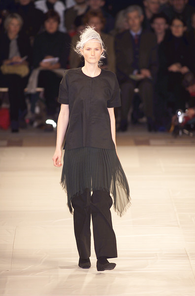 Issey Miyake at Paris Spring 2001 [fashion show,runway,fashion,fashion model,event,public event,fashion design,human,haute couture,dress,issey miyake,supermodel,fashion,runway,haute couture,fashion week,model,paris fashion week,fashion show,event,runway,fashion,paris fashion week,fashion show,issey miyake,model,haute couture,supermodel,fashion week]