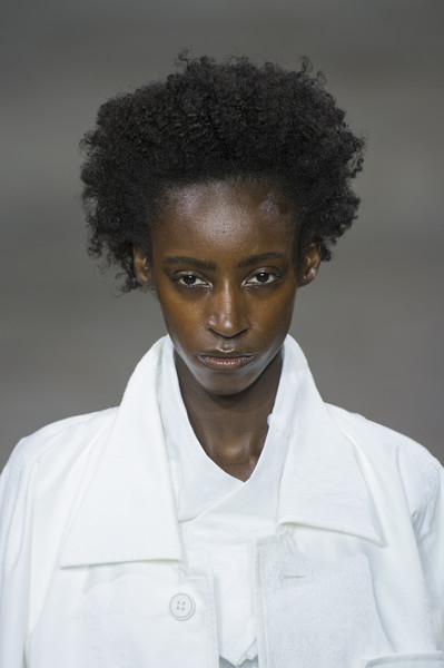 Issey Miyake at Paris Spring 2019 (Details) [hair,white,hairstyle,face,afro,beauty,fashion,forehead,black hair,human,issey miyake,fashion,fashion week,spring,runway,face,beauty,hair,forehead,paris fashion week,issey miyake,paris fashion week,fashion,ready-to-wear,fashion week,runway,spring,clothing,livingly]