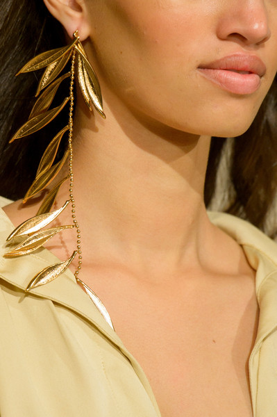 Jacquemus at Paris Fall 2018 (Details) [hair,face,neck,lip,chin,hairstyle,skin,ear,beauty,cheek,earring,necklace,fashion accessory,jewellery,jacquemus,fashion,fashion week,hairstyle,skin,paris fashion week,earring,fashion,jacquemus,fashion accessory,necklace,autumn,bijou,hellessy,jewellery,fashion week]