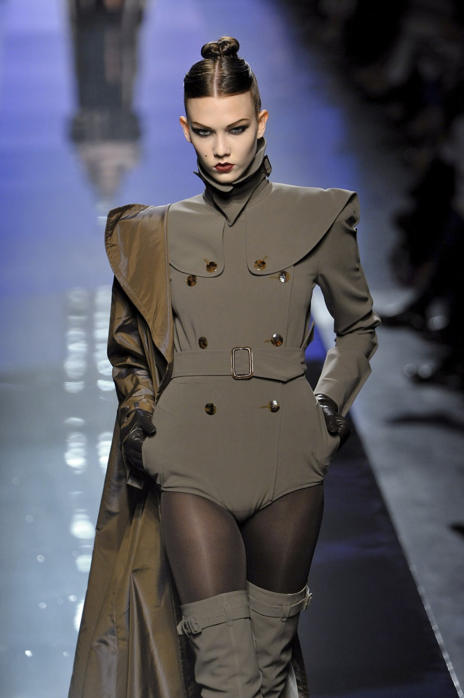 jean paul gaultier at couture fall 2009 livingly. Black Bedroom Furniture Sets. Home Design Ideas