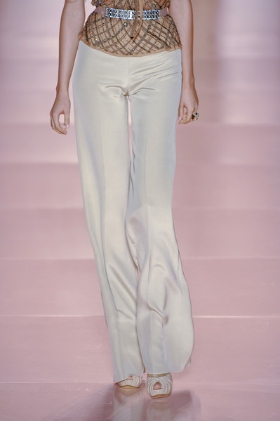 Jenny Packham at New York Spring 2011 (Details) [clothing,white,fashion model,fashion,waist,leg,haute couture,pink,trousers,jeans,jeans,jenny packham,waist,haute couture,fashion,runway,hip,clothing,new york fashion week,fashion show,fashion show,haute couture,waist,runway,fashion,hip,jeans,kbr]
