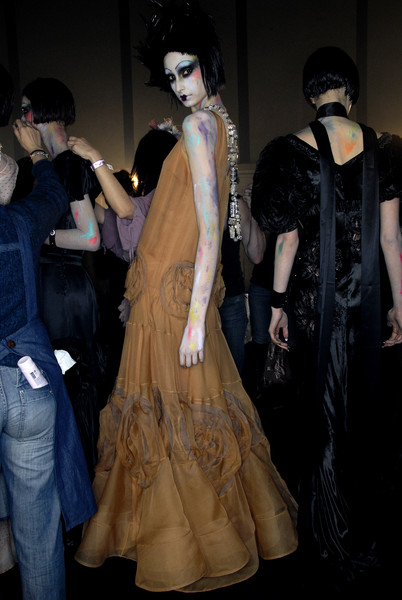 John Galliano at Paris Fall 2007 (Backstage)