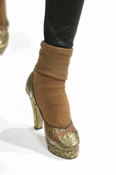 Karen Walker at London Fall 2006 (Details)