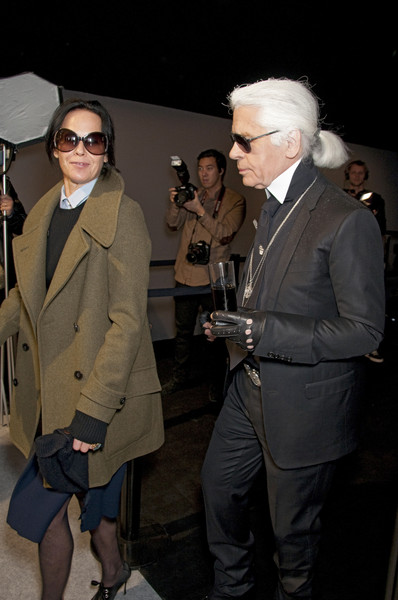 Karl Lagerfeld at Paris Fall 2010 (Backstage)