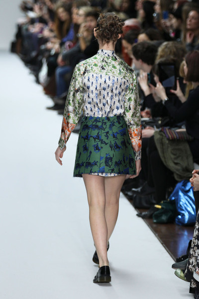 Kinder Aggugini at London Fall 2012