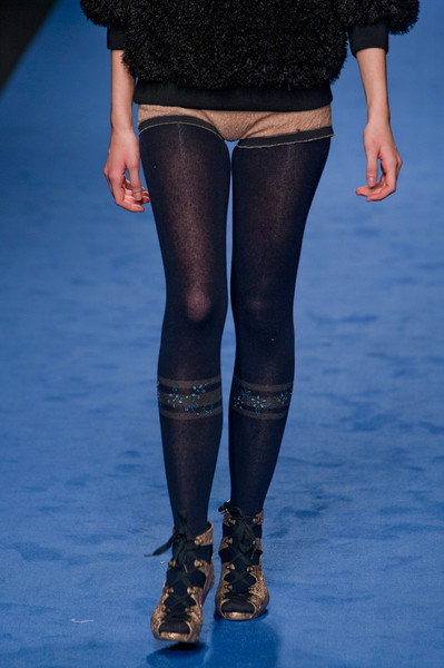 Kristina Ti at Milan Fall 2013 (Details)